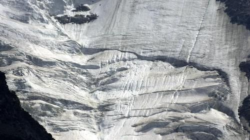 Mont-Blanc:  un glacier menace de s'effondrer