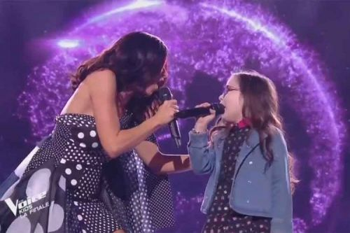 "Revoir ""The Voice Kids"":  Jennifer & Emma « Viens on s'aime » de Slimane en finale"